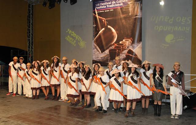 Apresentações culturais de Juquiá abrilhantam o XIII REVELANDO SÃO PAULO em Iguape