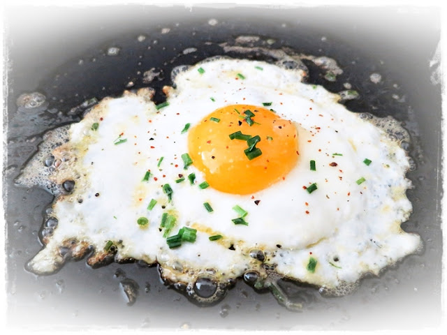how-to-fry-eggs-perfectly