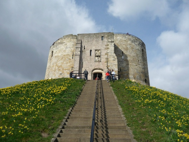 #Blogtober16-Day-21-What-Am-I-Afraid-Of-Cliffords-tower-york