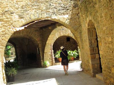 Pueblo medieval de Monells