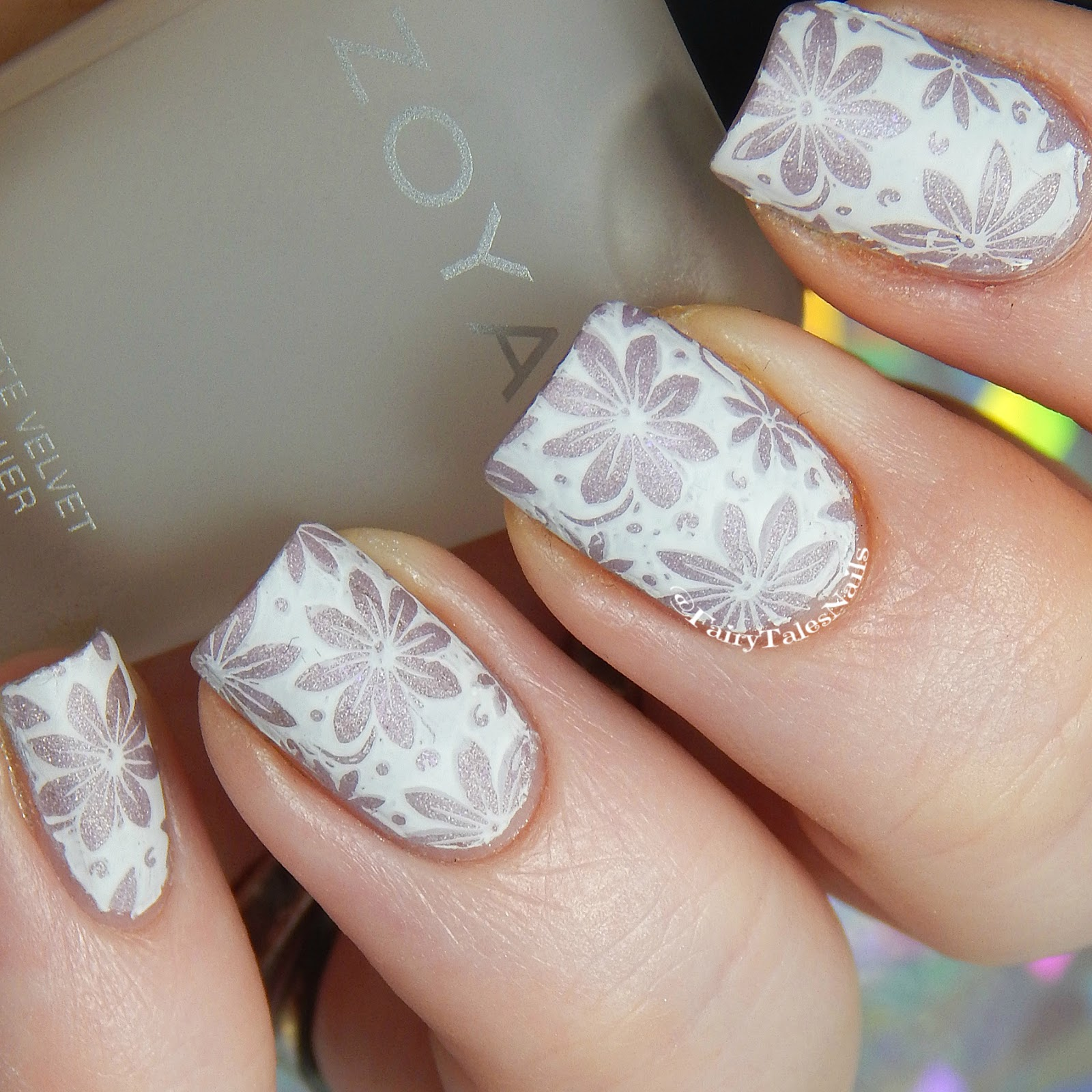 Fairytales nails 26 great nail art ideas work appropriate nail art not sure if these are work appropriate but i would definitely wear them in an office environment for the base colour i used a beautiful powder perfect prinsesfo Images