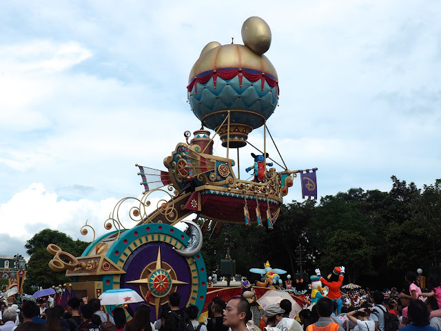 Mickey Mouse float in the Flights of Fantasy parade | Disneyland Hong Kong