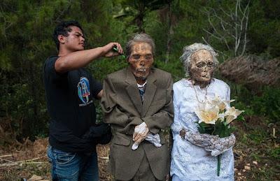 Os mortos andam na Indonésia