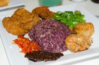 Nasi Kalong Referensi Wisata Kuliner Bandung Malam Hari