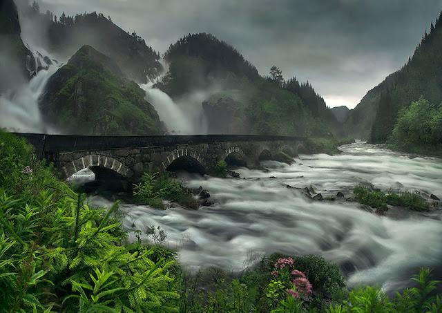 Bridge Latefossen Waterfall Norvegia