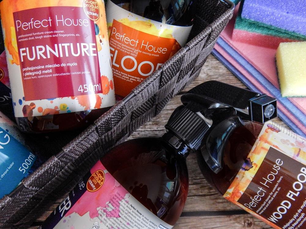 7 barwa perfect house kosmetyki do pielęgnacji domu porady na wiosenne porządki perfumowana woda do prasowania recenzja melodylaniella płyn do mycia podłóg specyfiki do mebli do czyszczenia do sprzątania skóry