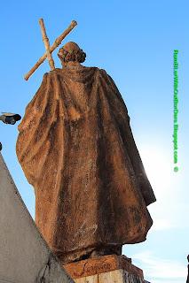 Statue, Almudena Cathedral, Madrid, Spain
