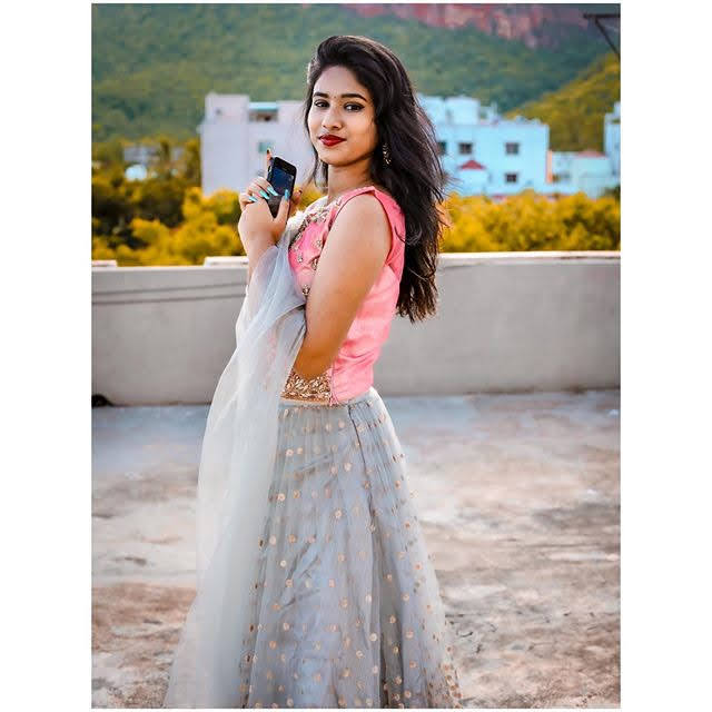 Neha Chowdary 25