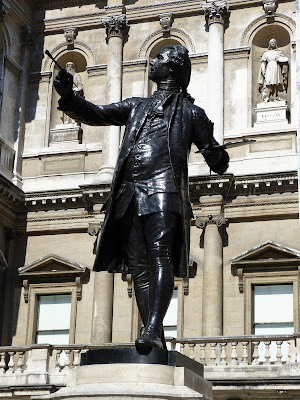 Statue of Sir Joshua Reynolds, Burlington House, Piccadilly, London