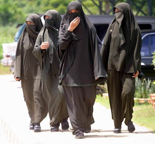 islamic - When the World Isn't Safe for Women