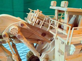 Wooden Miniature Terex RH400 Hydraulic Excavator