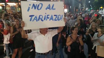 Furiosos con Mauricio Macri y María Eugenia Vidal, miles de personas protestaron en todo el país contra los brutales tarifazos a los que Cambiemos somete al pueblo argentino