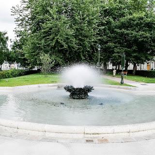 Fontaine, jeu d'eau avec Huaei P9, Orléans