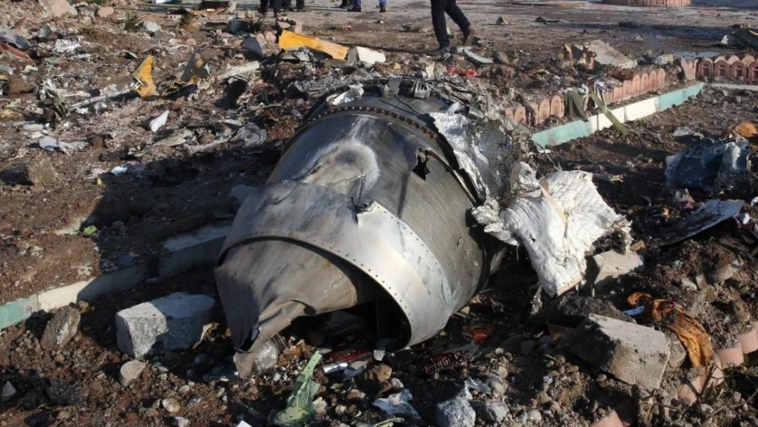 pesawat Ukrain terhempas