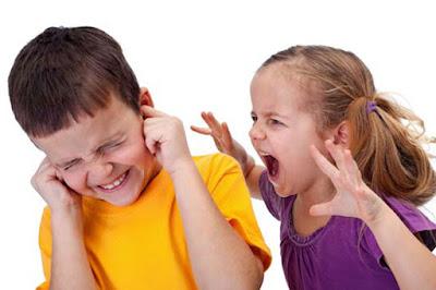 Cara Memperlakukan Anak yang Berperilaku Kasar