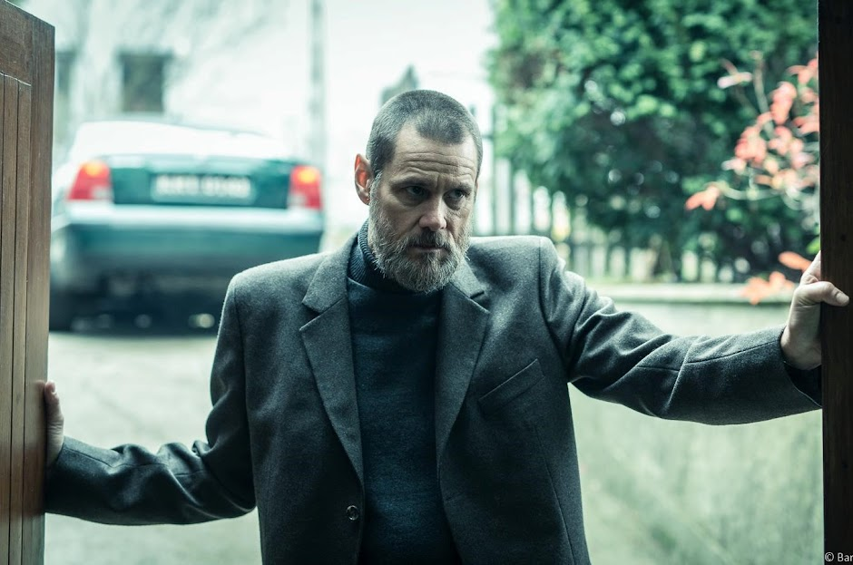 "Jim Carrey é um detetive obsessivo no trailer do suspense ""Dark Crimes"""