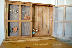 How to make a necklace and earring organizer