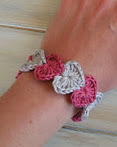 http://translate.googleusercontent.com/translate_c?depth=1&hl=es&rurl=translate.google.es&sl=auto&tl=es&u=http://happyberrycrochet.blogspot.co.uk/2013/05/quick-and-simple-crochet-heart-bracelet.html&usg=ALkJrhg3cvguBAd2htInsSl766gaVbcigQ