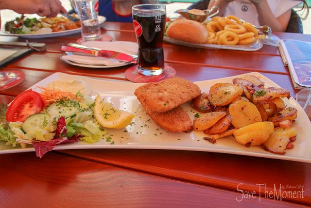 Backfisch mit Bratkartoffeln