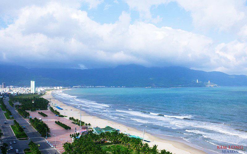 Kim Long Season sở hữu vị trí tuyệt đẹp ngay mặt biển Mỹ Khê