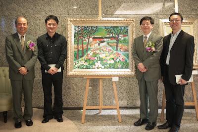 玉山金控臺中營運中心慶開幕 黃騰輝玫瑰藝術與前輩畫家同展出 - WoWoNews
