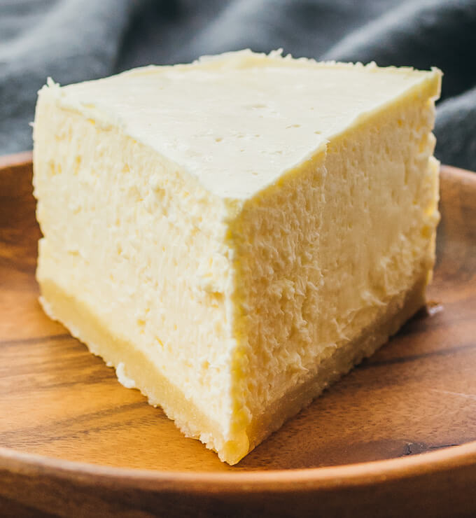 Low Carb Instant Pot Cheesecake (Keto Recipe)