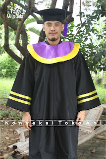 beli jubah wisuda di jakarta Wa 085715470979 Telp 087808189049