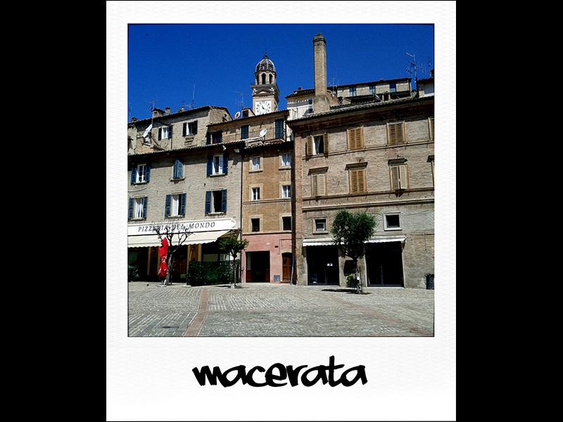 Piazza di Macerata