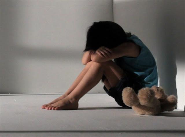 Γονείς τέρατα κακοποιούσαν 4 ανήλικα παιδιά