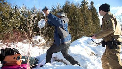 Indocumentados protagonizan inusual fuga en frontera con Canadá