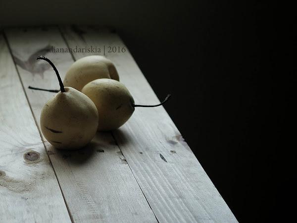 Pear, Honey and Cashew Tart