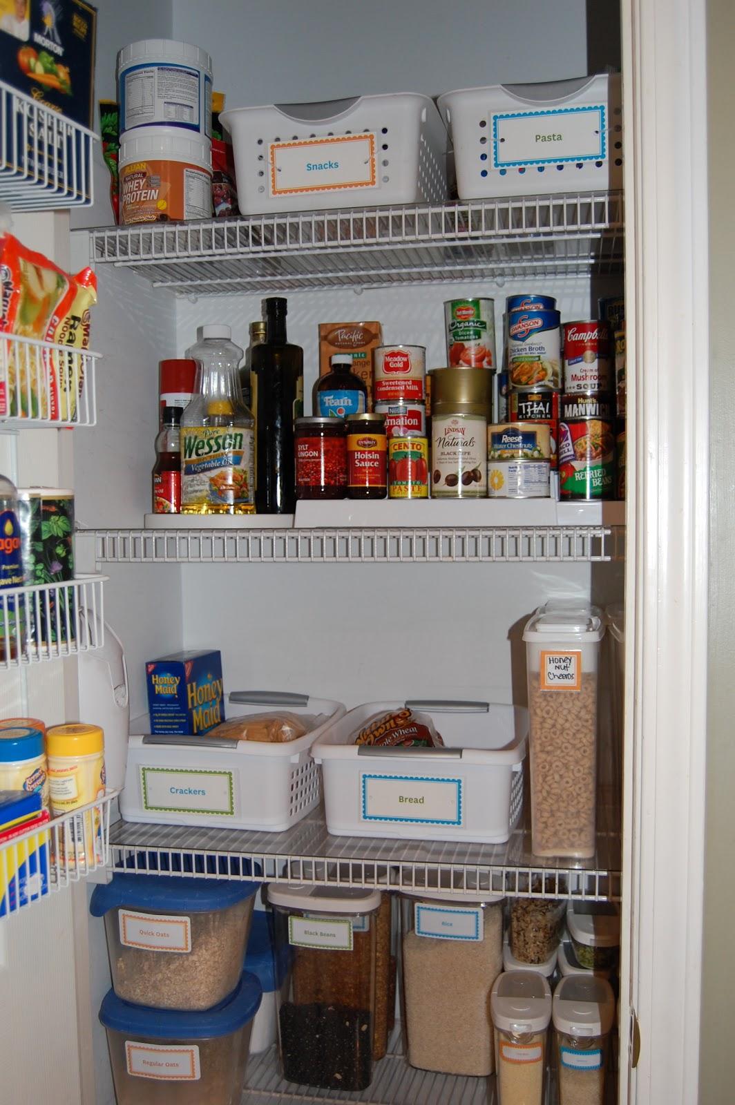 Melandboys: Organized Pantry--YES!