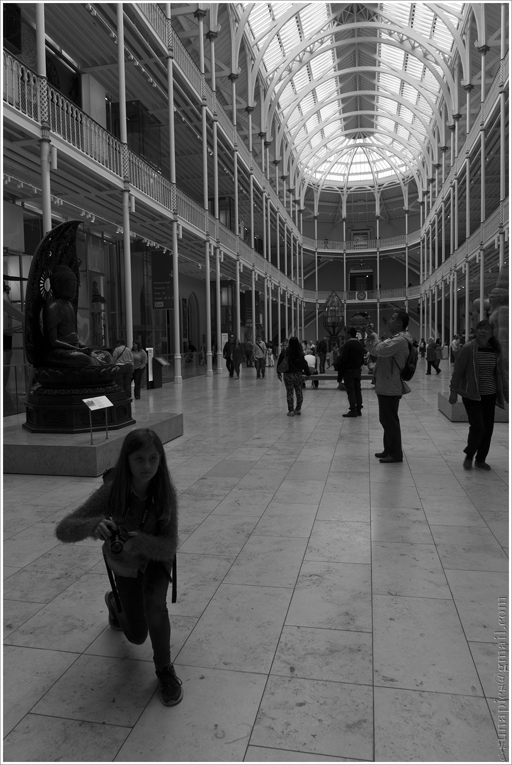 So we adjourned to the museum in chambers street where i taught mair the theory of composing photos mostly by showing her what not to do i m afraid