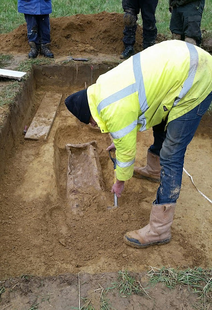 Detectorist finds Roman coins and lead coffin in Somerset field
