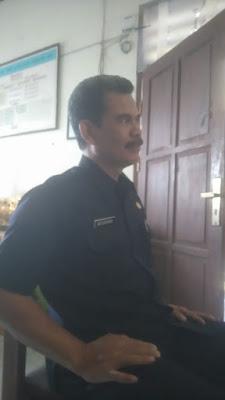 Dikerjakan Oleh Kontraktor Abal-abal, Pemagaran SMPN III Rengasdengklok tak Kunjung Selesai.