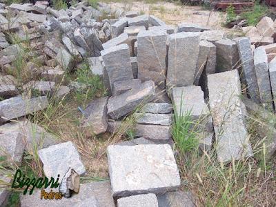 Pedra folheta de granito com vários tamanhos para escada de pedra.