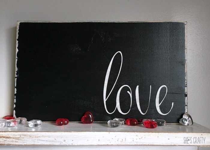 wooden sign tutorial, love wooden sign, black and white sign
