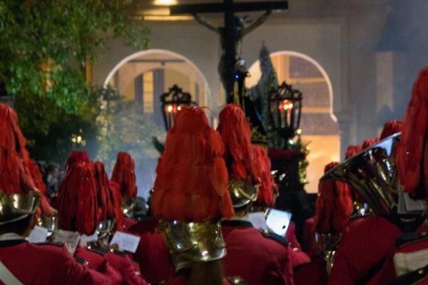La Hermandad de Palmeras supedita su presencia en la Magna a la celebración de un Cabildo
