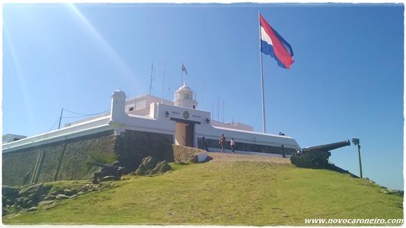 Fortaleza del Cerro - Montevidéu, por novocaroneiro.com