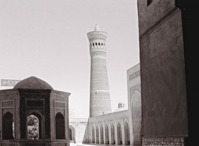 Ouzbékistan, Boukhara, Minaret Kalyan, © Louis Gigout, 1999