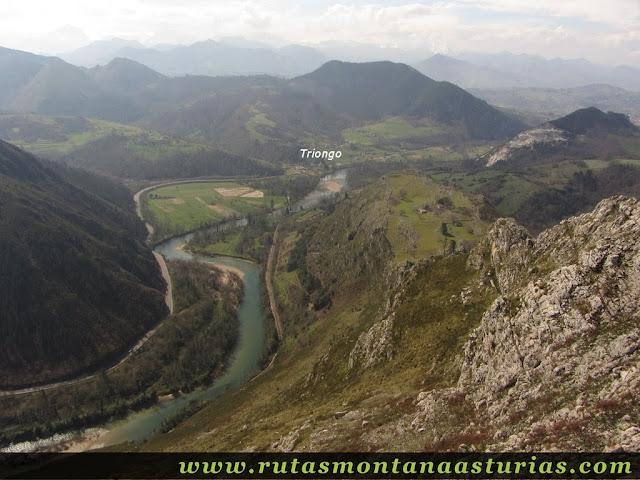 Vista de Triongo y Sella desde Peña Llana
