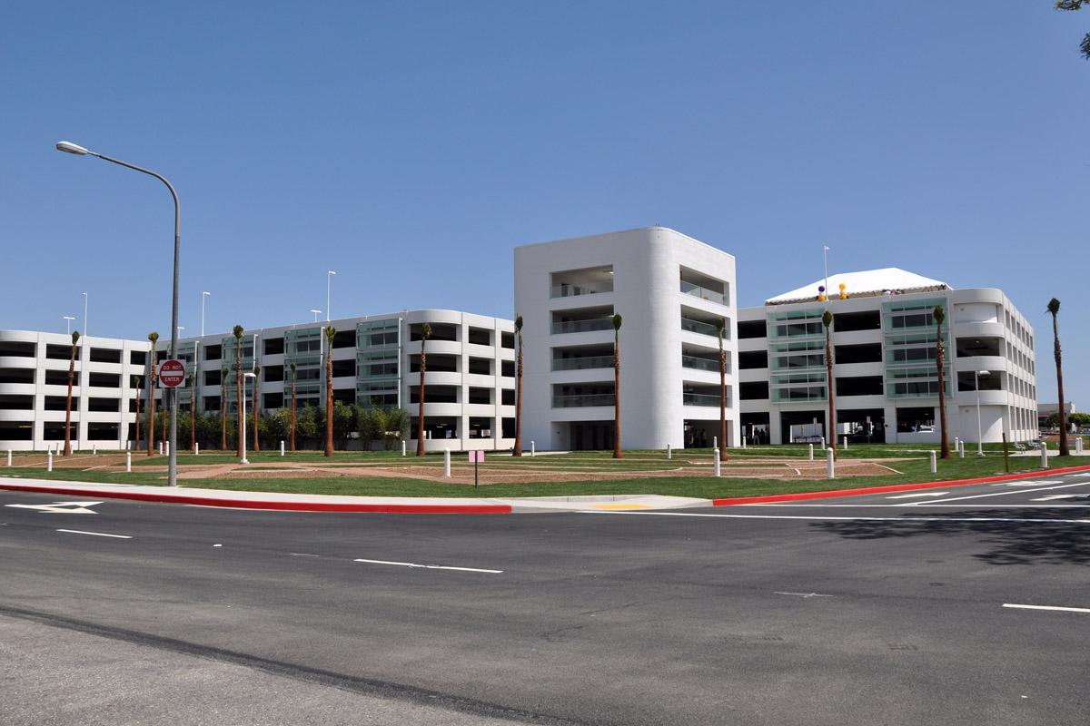 New Lgb Parking Garage Opens