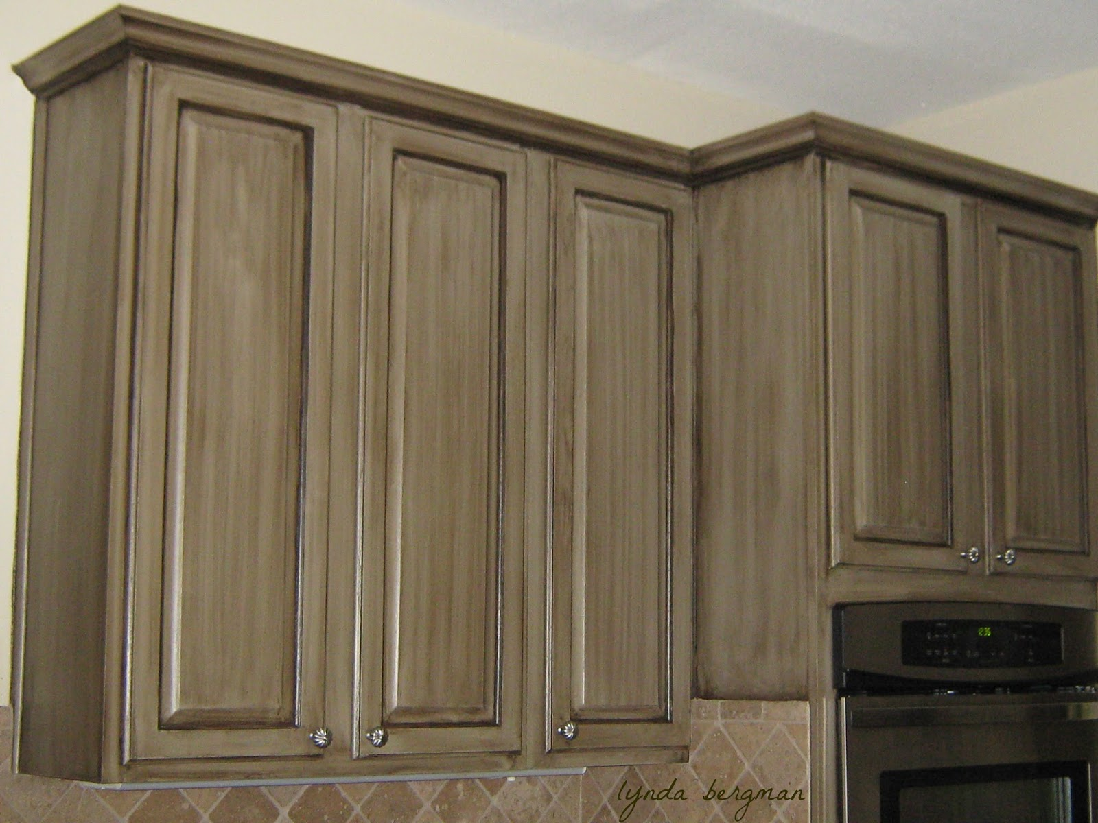 painting oak cabinets white with glaze lynda bergman decorative artisan painting a glazed 735
