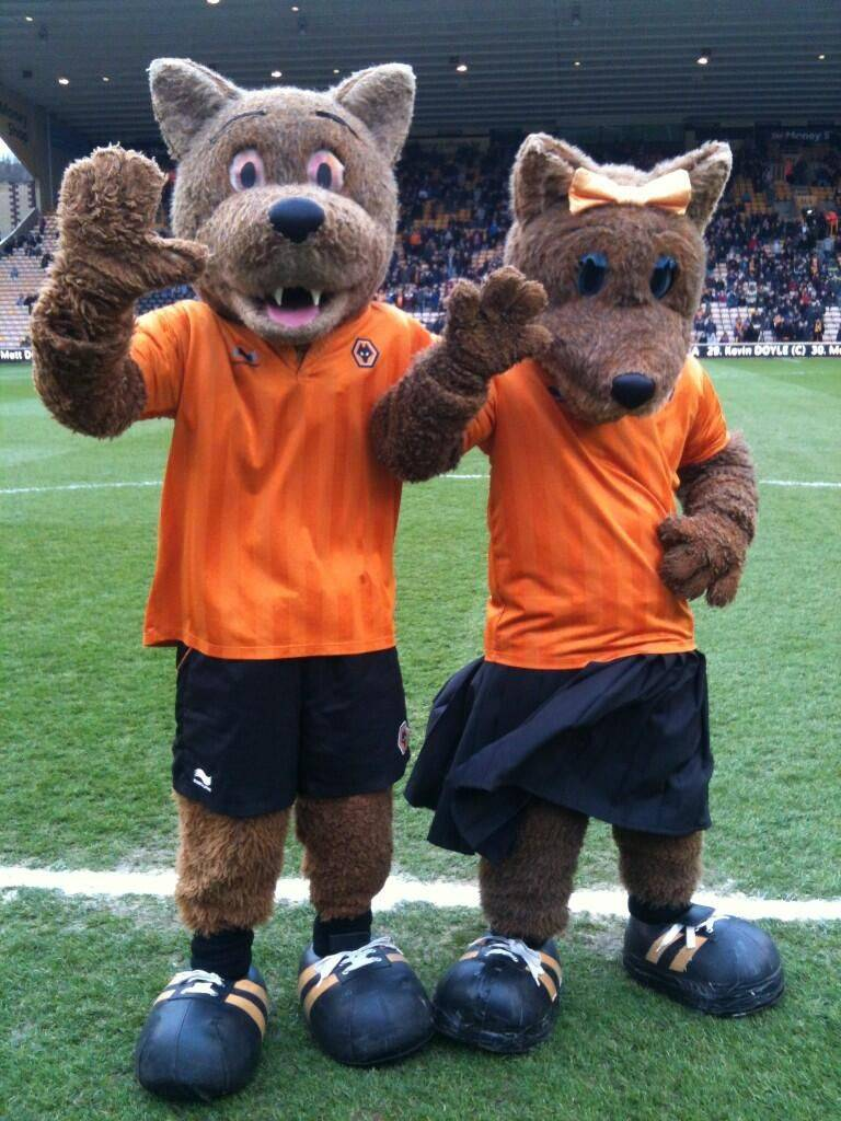 Wolves-mascots-Wolfie-and-Wendy