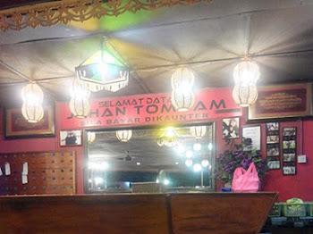 Johan Tomyam & Western Food