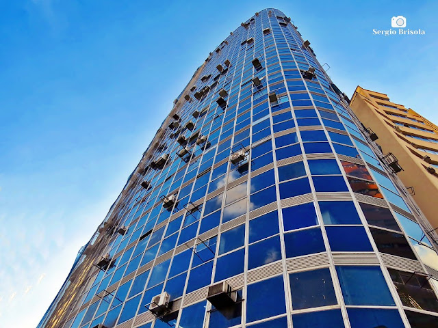 Perspectiva inferior do Edifício Executive Center - Consolação - São Paulo