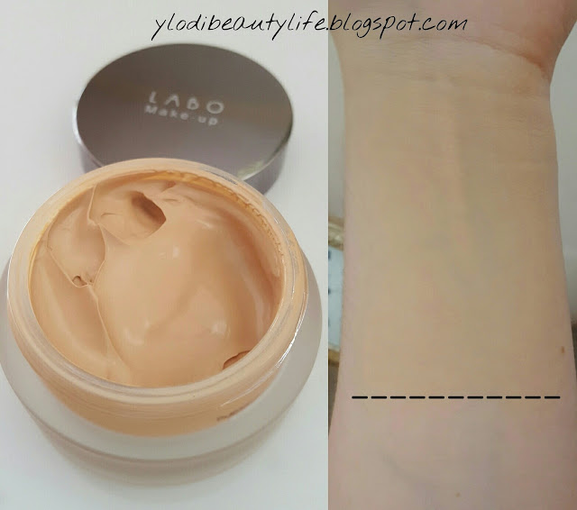 Labo Make-up Fashion Treatment with Hyaluronic Acid Smoothing Cream Foundation light beige swatch