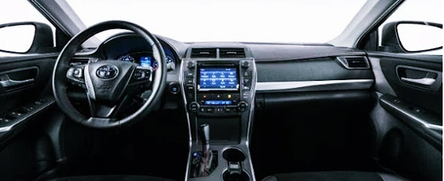 2017 Toyota Camry XSE V6 Sedan Review Interior