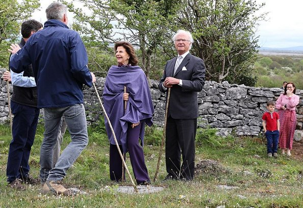 Queen Silvia of Sweden visited a Eco Farm in the village of Ballybornagh in Clare, and visited Burren Smokehouse