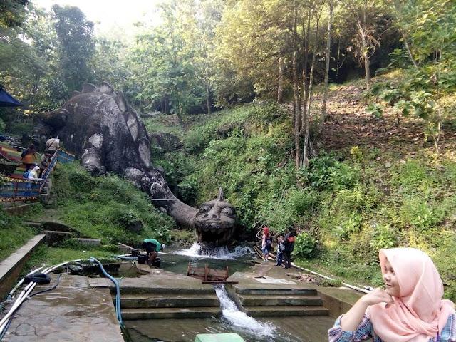 foto dinosaurus di goa jatijajar